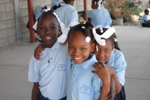 haiti-girls-11pnryv